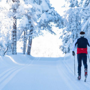 Kuvituskuva, hiihtäjä